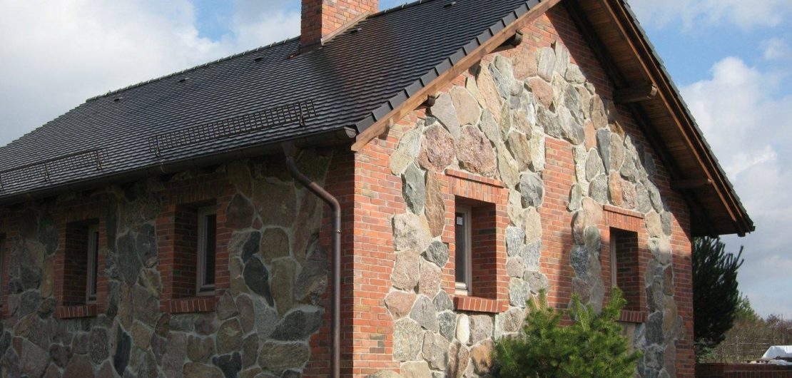 Ceramsus -Dom na wsi - elewacja klinkierowa
